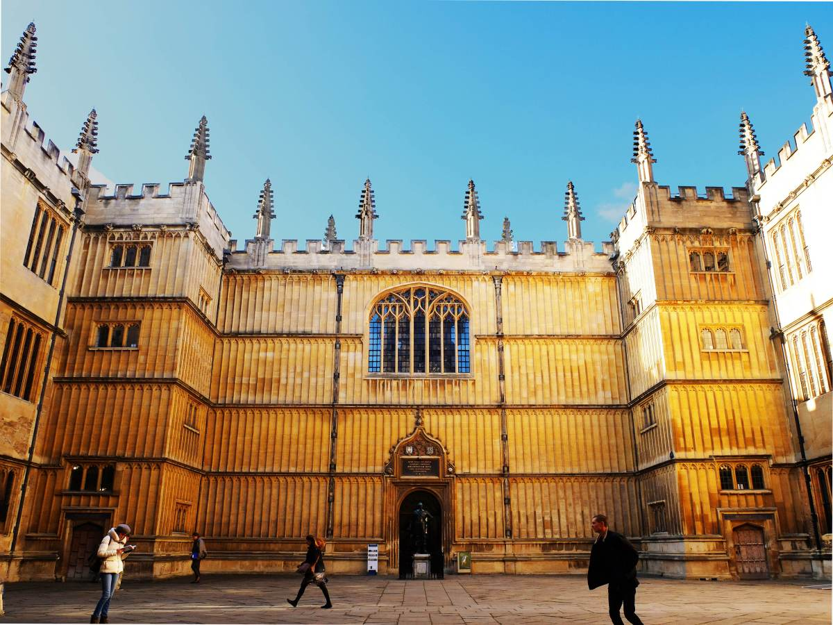 Book lovers' day trip to Oxford, England