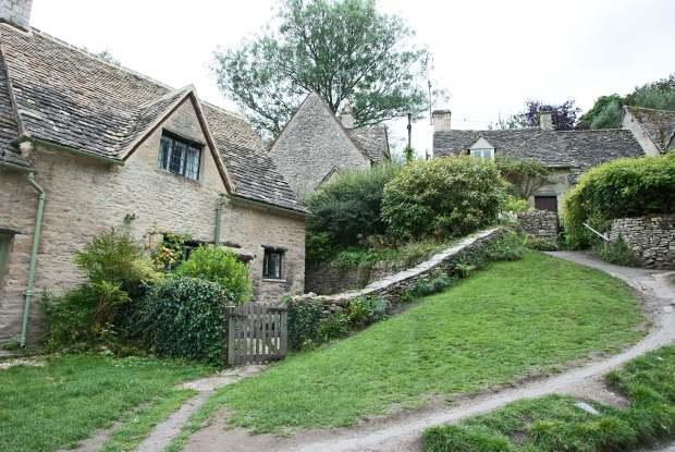 bibury-cottage-beyondourhorizons