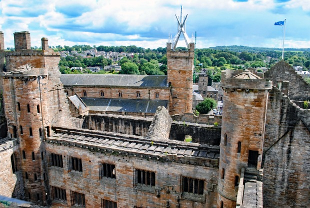 Linlithgow Palace from its upper platform